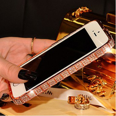Розово-золотой металлический бампер со стразами для iPhone 5/5s/SE